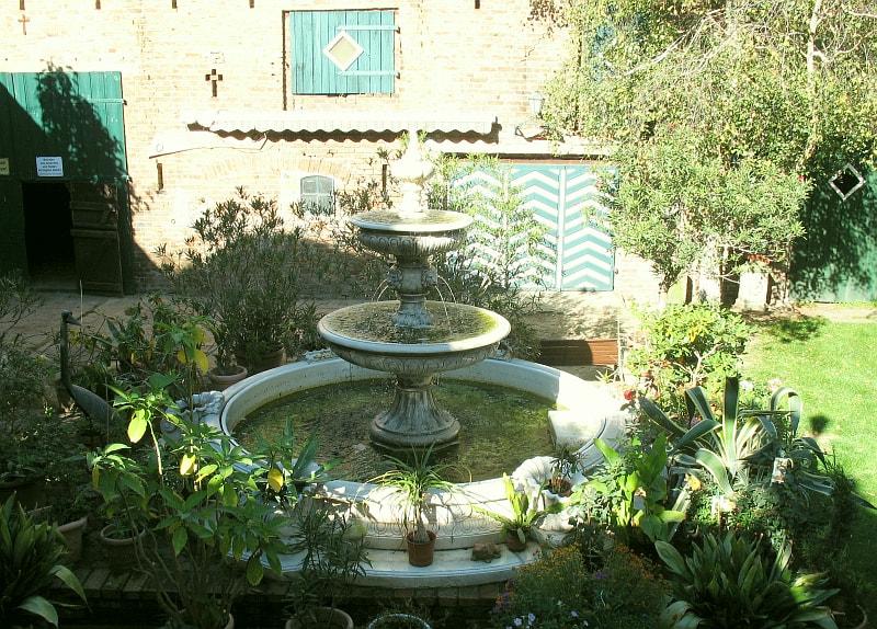 Gartendekoration Springbrunnen
