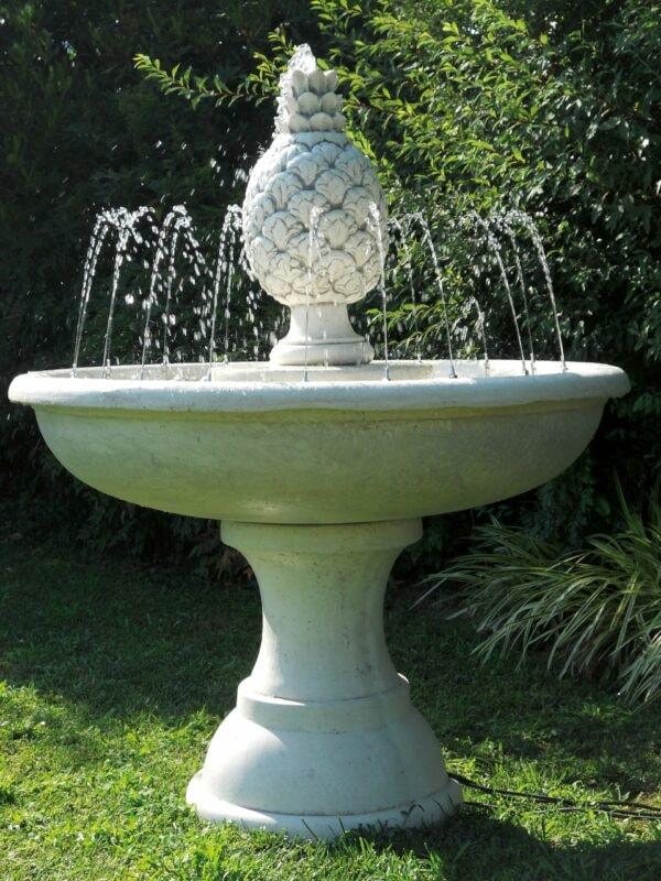 Springbrunnen mit Ananas Art.2156 Gartenbrunnen